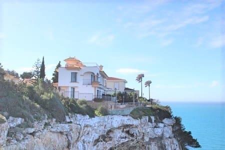 4 soveværelse Byhus til leje i Badia Blava med swimmingpool - € 3.800 (Ref: 6013854)