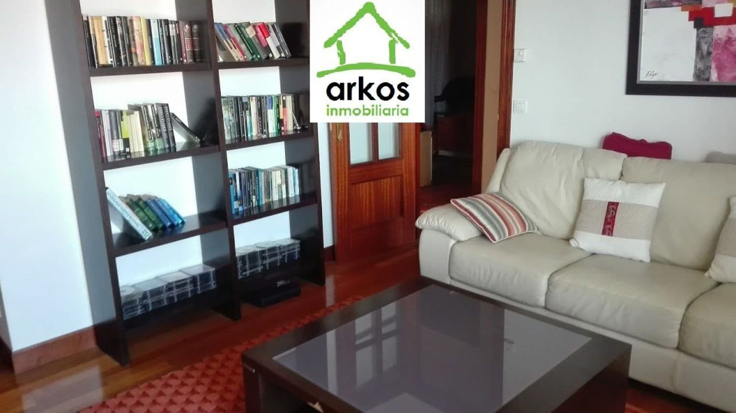 2 bedroom Apartment for rent in Castro-Urdiales with garage - € 1,300 (Ref: 4615599)