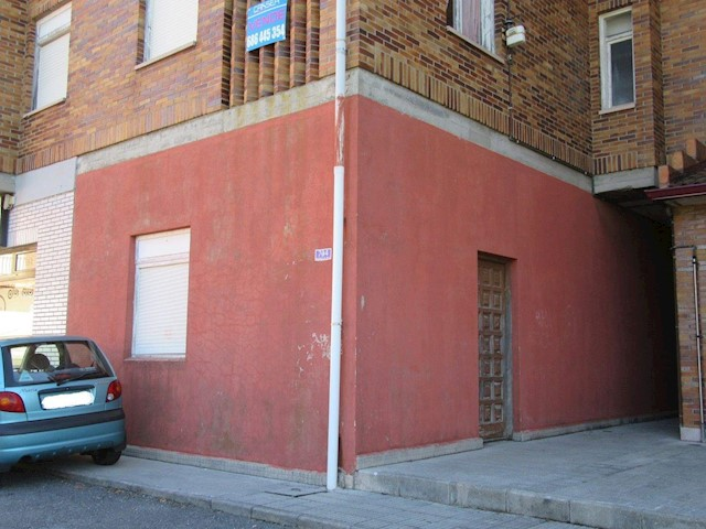 Commercial for sale in Ajo - € 38,000 (Ref: 3668651)