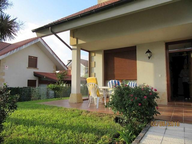 4 sypialnia Willa na sprzedaż w Ajo z garażem - 240 000 € (Ref: 3668730)