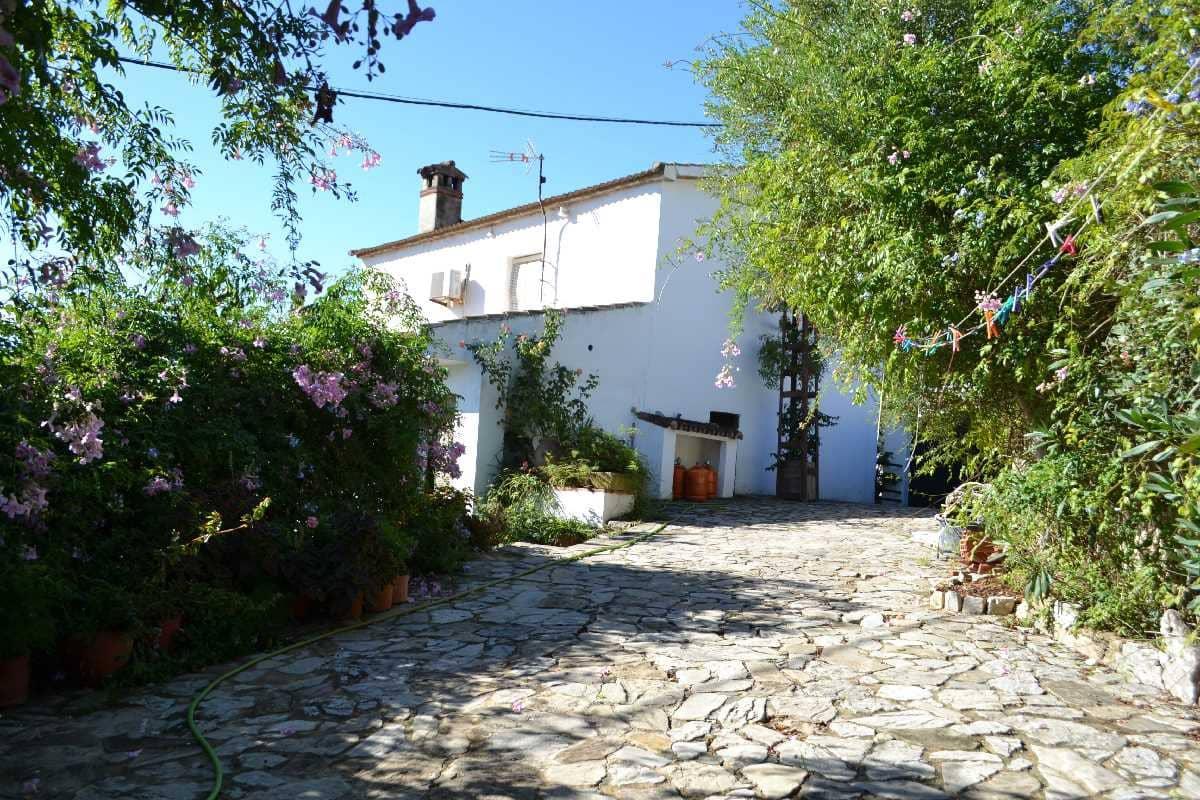 Garage for sale in Jimena de la Frontera - € 210,000 (Ref: 4214988)