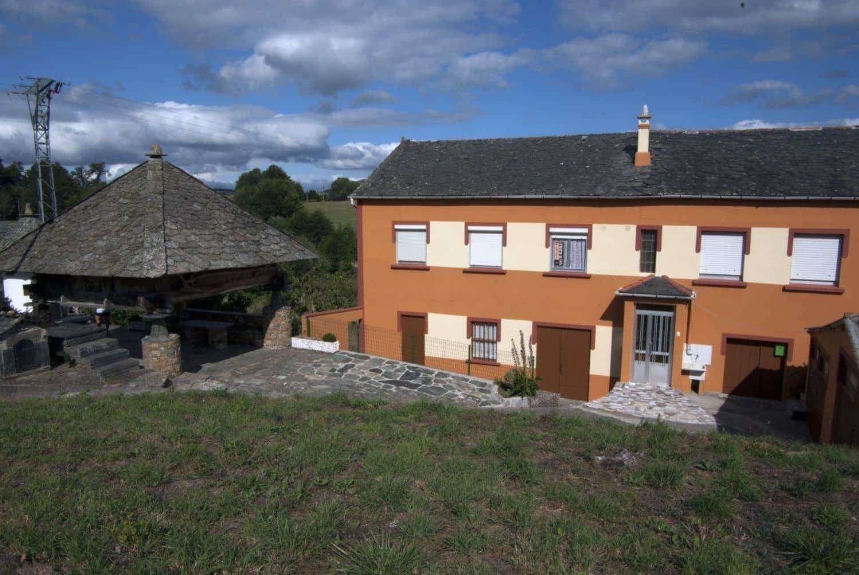 Chalet de 4 habitaciones en Grandas de Salime en venta con garaje - 180.000 € (Ref: 4628373)