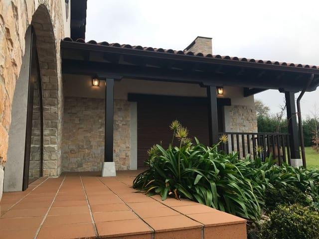 Chalet de 4 habitaciones en San Juan de la Arena en venta con garaje - 900.000 € (Ref: 4628911)