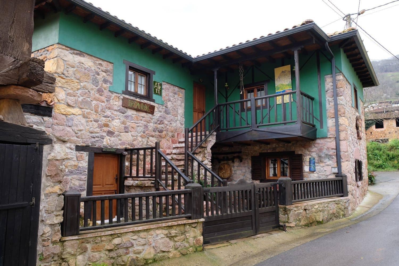 Finca/Casa Rural de 6 habitaciones en Tineo en venta con garaje - 260.000 € (Ref: 4684796)