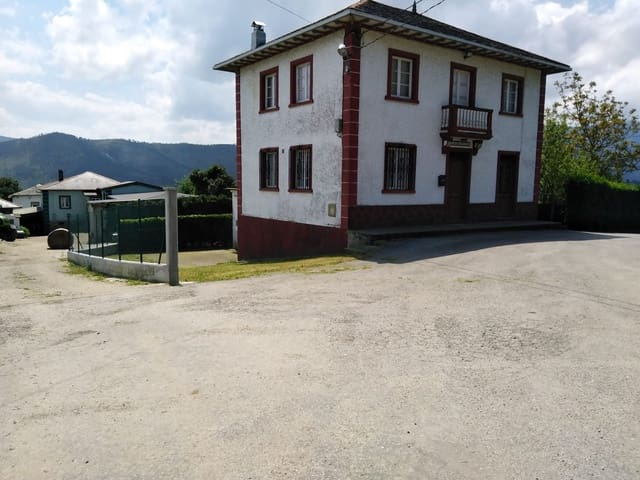 Finca/Casa Rural de 6 habitaciones en Luarca en venta con garaje - 116.900 € (Ref: 4687588)
