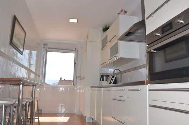 Apartamento de 3 habitaciones en San Juan de la Arena en venta con garaje - 123.000 € (Ref: 5476966)