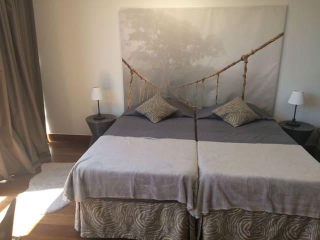 1 quarto Apartamento para arrendar em Madrid cidade - 950 € (Ref: 6086270)