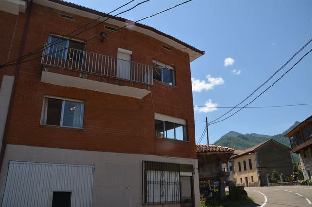 3 bedroom Townhouse for sale in Oseja de Sajambre with garage - € 85,000 (Ref: 6221417)