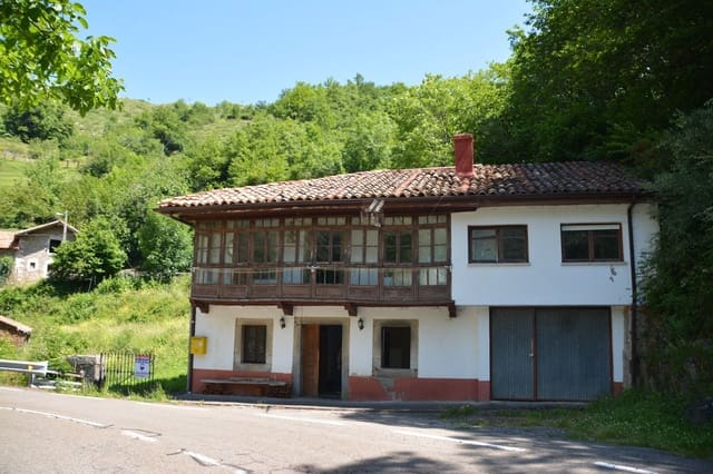 3 quarto Quinta/Casa Rural para venda em Oseja de Sajambre com garagem - 60 000 € (Ref: 6232569)