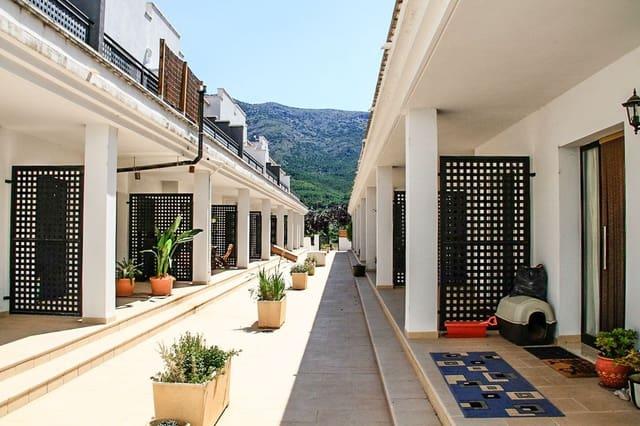 3 slaapkamer Rijtjeshuis te huur in Parcent met garage - € 500 (Ref: 5840759)