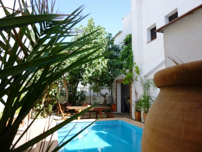 4 bedroom Townhouse for sale in Acequias with pool garage - € 199,000 (Ref: 4721481)