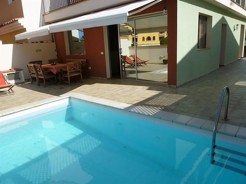 4 sovrum Hus till salu i Sonneland med pool garage - 650 000 € (Ref: 4710564)