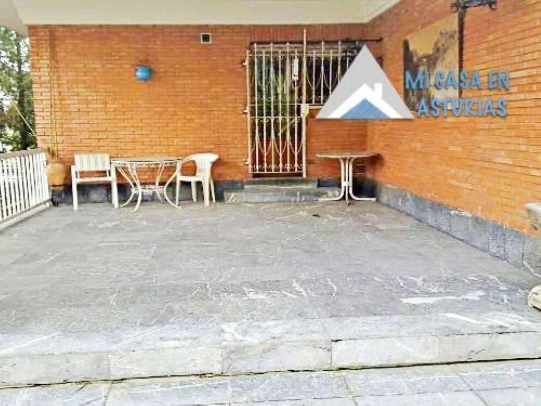 5 slaapkamer Villa te huur in Oviedo met garage - € 3.000 (Ref: 4246481)