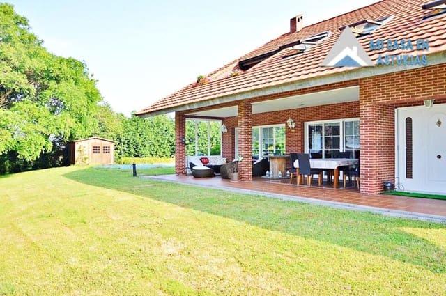 5 sovrum Villa till salu i Gijon med pool garage - 900 000 € (Ref: 5341372)