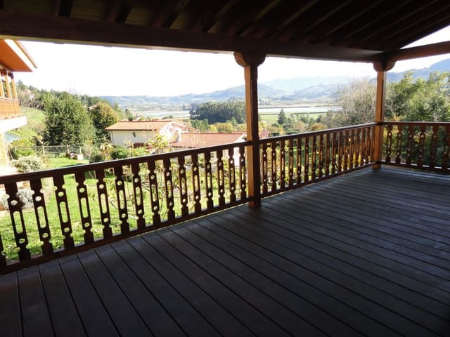 3 slaapkamer Rijtjeshuis te koop in Villaviciosa met garage - € 295.000 (Ref: 5308455)