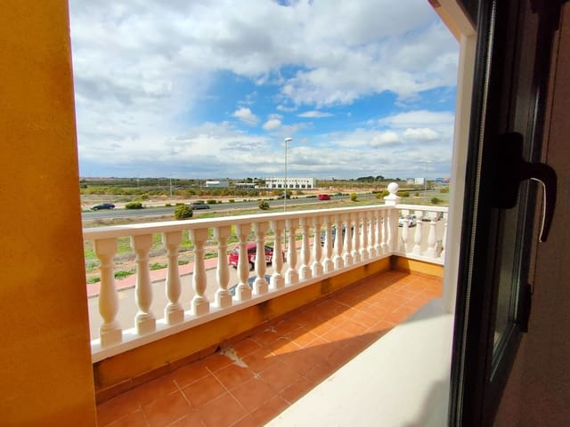 3 soveværelse Semi-Rækkehus til leje i Ciudad Quesada med swimmingpool - € 695 (Ref: 5970139)