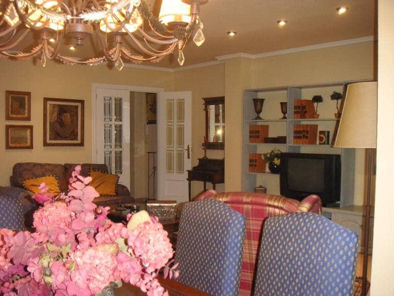 3 sovrum Lägenhet att hyra i Monovar / Monover med garage - 400 € (Ref: 3723156)
