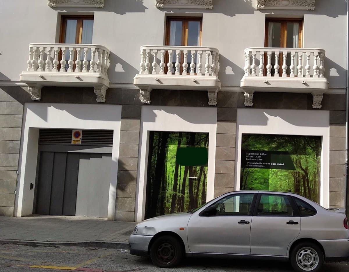 Commercieel te huur in Granada stad - € 2.800 (Ref: 4962847)