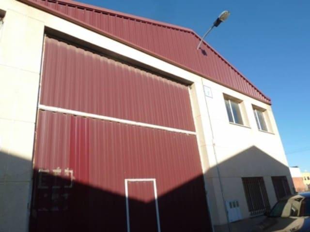 Bedrift til leie i Santovenia de Pisuerga - € 400 (Ref: 3697708)