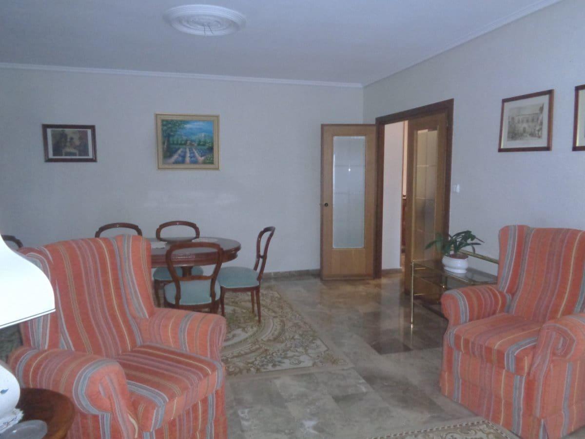 5 slaapkamer Flat te huur in Valladolid stad met garage - € 1.000 (Ref: 4307810)