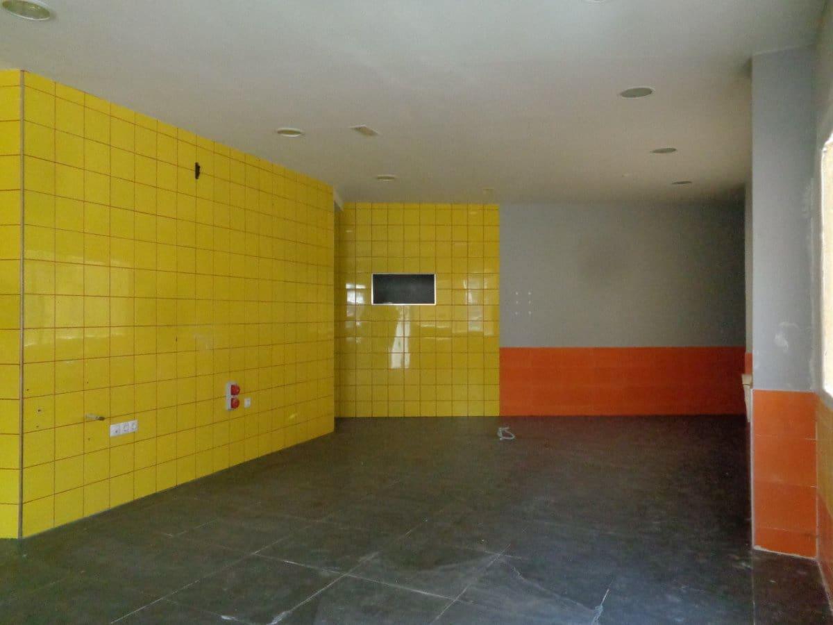 Local Commercial à vendre à Zaratan - 125 000 € (Ref: 4593551)