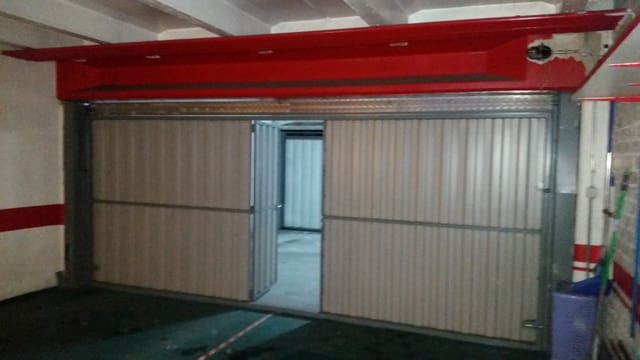 Garaż na sprzedaż w Laguna de Duero - 38 000 € (Ref: 4607770)