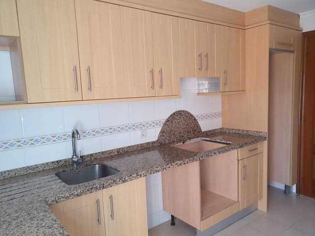 4 soveværelse Rækkehus til salg i Santovenia de Pisuerga med garage - € 186.000 (Ref: 4816015)