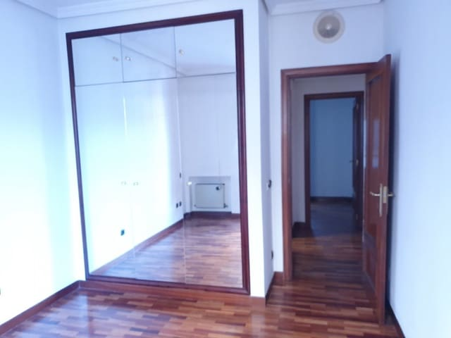 2 bedroom Flat for sale in Valladolid city - € 290,000 (Ref: 5061368)