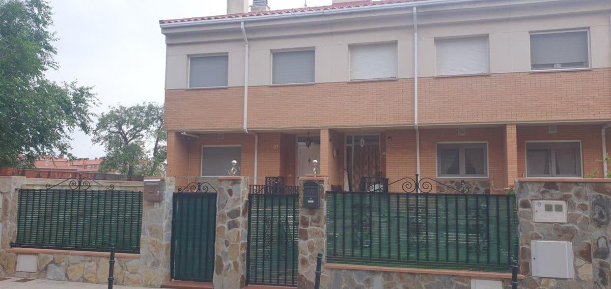 4 Zimmer Reihenhaus zu verkaufen in Santovenia de Pisuerga mit Garage - 199.000 € (Ref: 5365345)