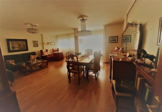 4 sovrum Lägenhet till salu i Valladolid stad med garage - 370 000 € (Ref: 5585352)