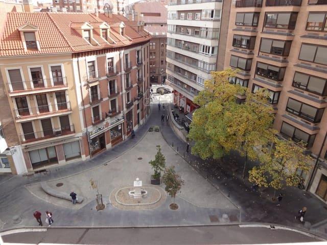 Piso de 4 habitaciones en Valladolid ciudad en venta con garaje - 370.000 € (Ref: 5585352)