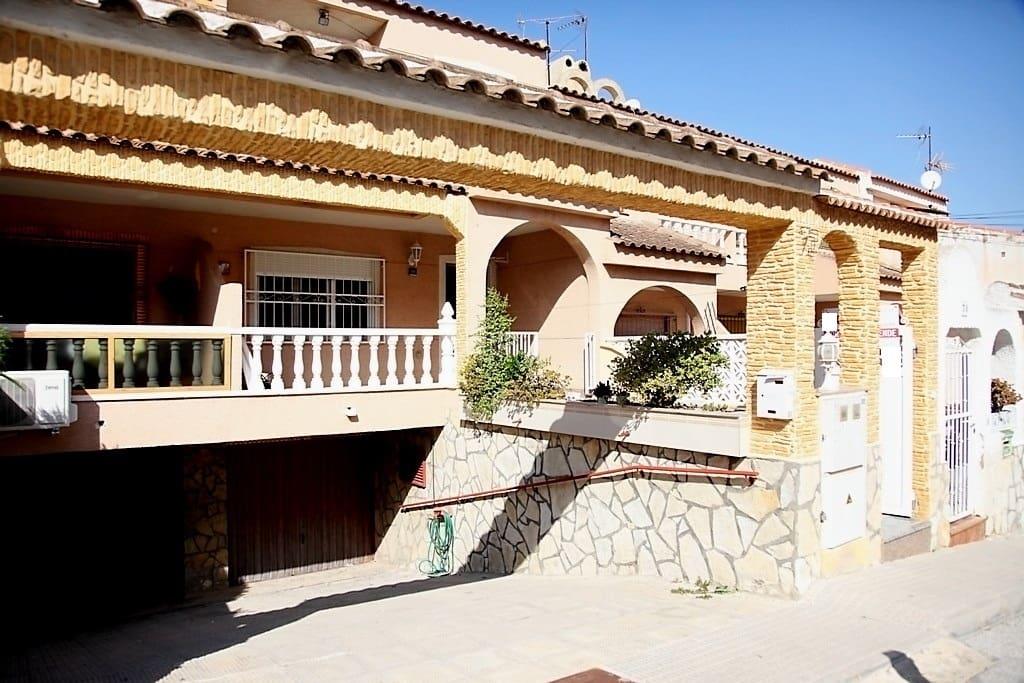 Casa de 3 habitaciones en Benijófar en venta - 133.000 € (Ref: 5057703)