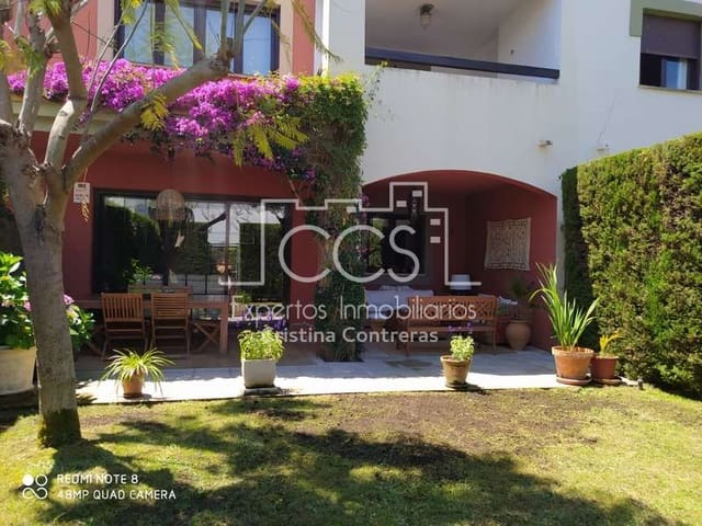 5 bedroom Townhouse for rent in Las Pajanosas with pool garage - € 900 (Ref: 5300321)