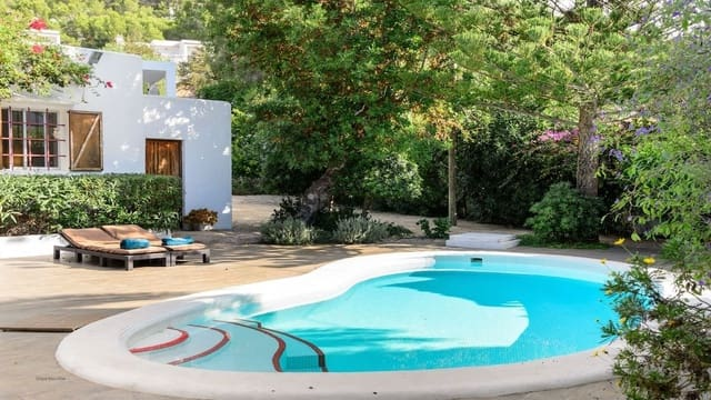 3 bedroom Villa for holiday rental in Cala Llonga with pool - € 3,000 (Ref: 3809890)