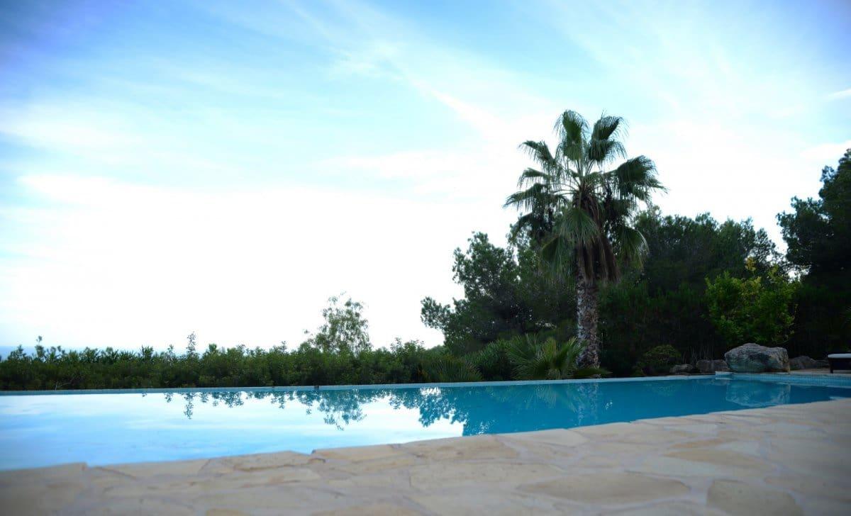Chalet de 4 habitaciones en San Jose / Sant Josep de Sa Talaia en alquiler vacacional con piscina - 2.150 € (Ref: 3809891)