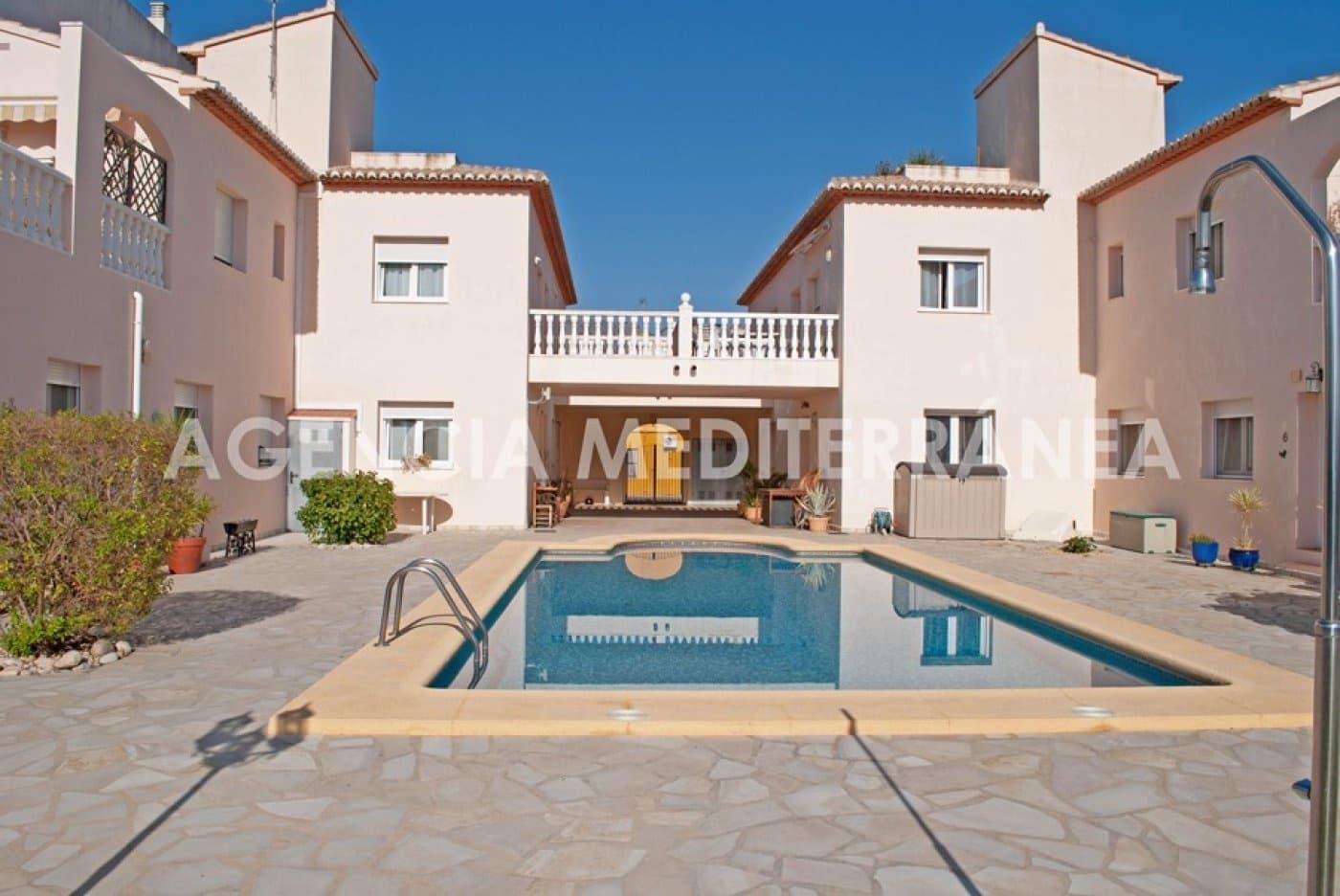 Adosado de 3 habitaciones en Pamis en venta con piscina - 160.000 € (Ref: 4468200)