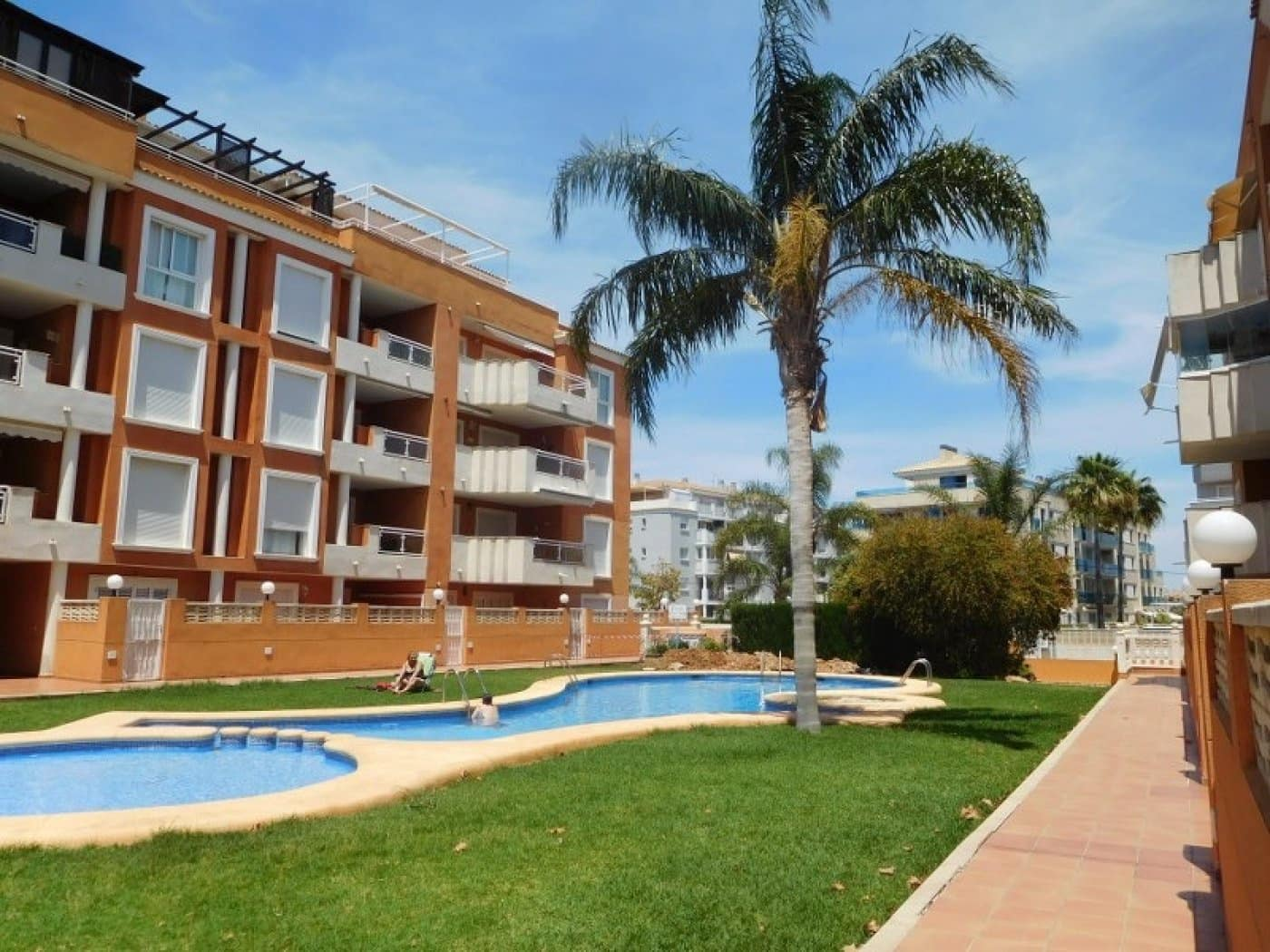 2 bedroom Apartment for rent in Denia with pool - € 600 (Ref: 4853325)