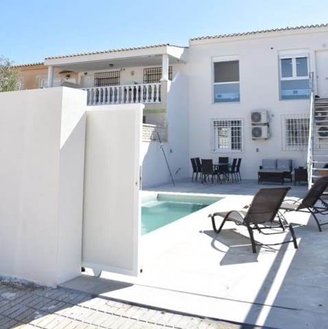 3 sypialnia Bungalow do wynajęcia w La Regia z basenem garażem - 998 € (Ref: 5968296)