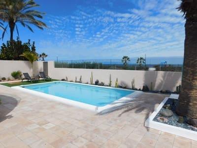 Chalet de 4 habitaciones en Palm-Mar en venta con piscina garaje - 995.000 € (Ref: 4849990)
