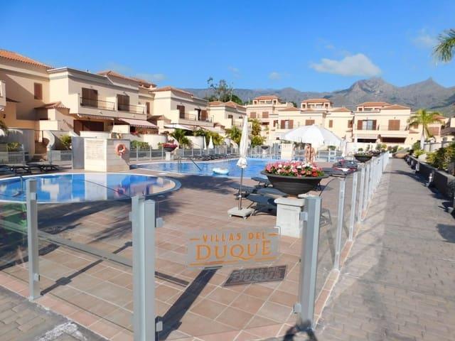 5 chambre Villa/Maison Mitoyenne à vendre à Costa Adeje avec piscine garage - 575 000 € (Ref: 5893780)