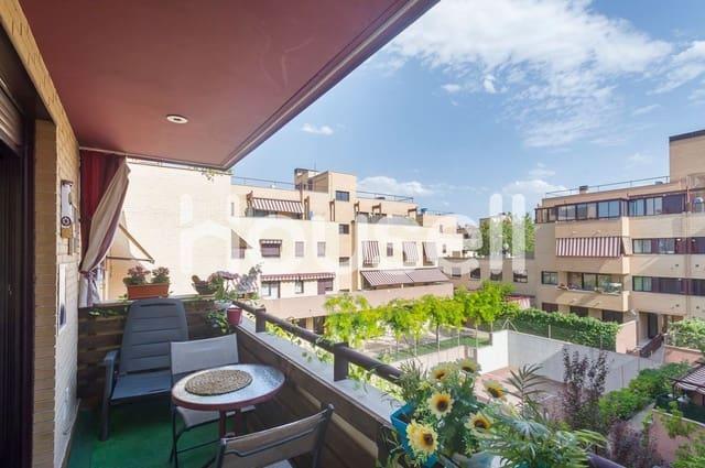 Ático de 4 habitaciones en Pinto en venta con piscina - 299.500 € (Ref: 5863658)