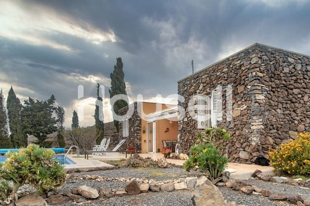 3 bedroom Finca/Country House for sale in Alajero with pool - € 475,000 (Ref: 5863821)