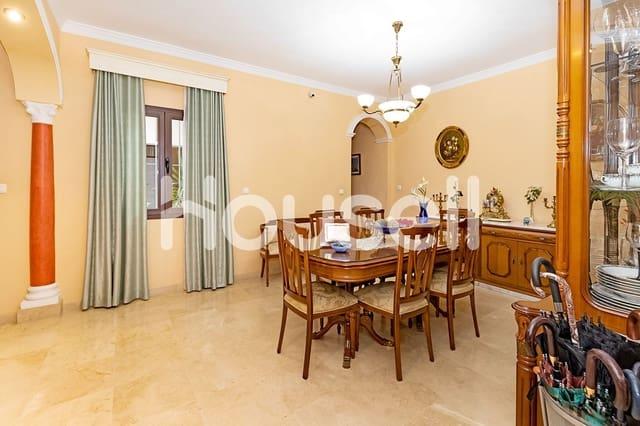 Chalet de 5 habitaciones en Los Palacios y Villafranca en venta - 350.000 € (Ref: 5864198)