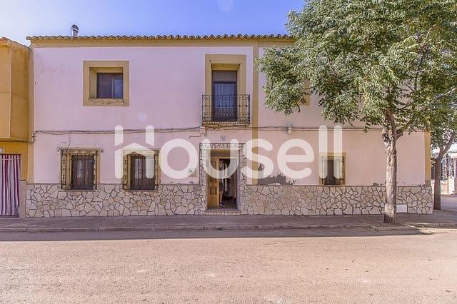 4 bedroom Villa for sale in San Carlos del Valle - € 59,000 (Ref: 5864215)