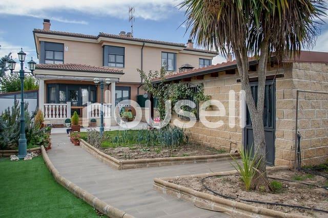 3 soverom Villa til salgs i La Velles med svømmebasseng - € 190 000 (Ref: 5903232)