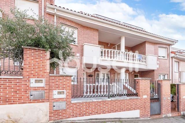Chalet de 5 habitaciones en Valladolid ciudad en venta con piscina - 440.000 € (Ref: 5903241)