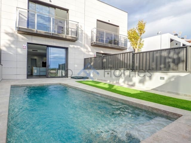 3 sovrum Radhus till salu i Vilanova i la Geltru med pool - 295 000 € (Ref: 5789443)