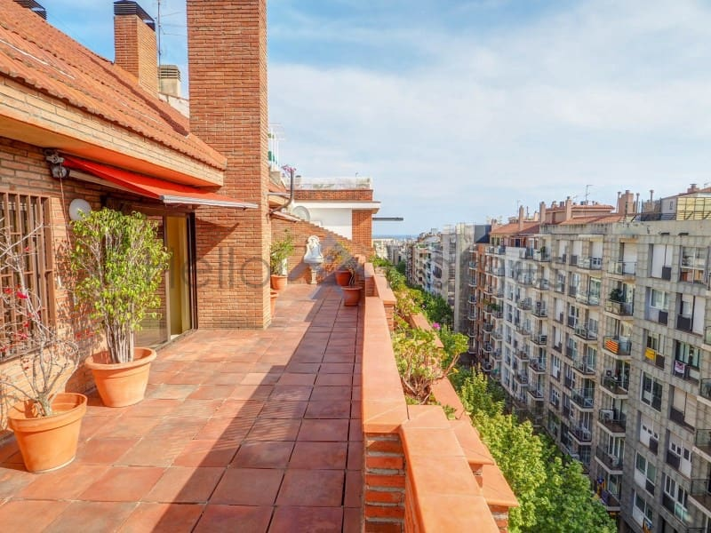 6 bedroom Penthouse for sale in Barcelona city with garage - € 1,075,000 (Ref: 6020033)