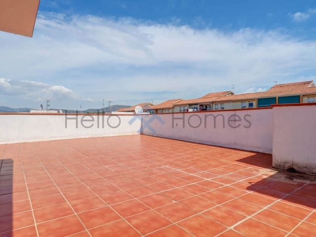 4 bedroom Flat for sale in Les Roquetes - € 156,000 (Ref: 6073178)