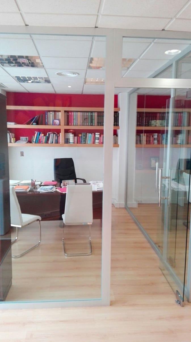 4 bedroom Commercial for sale in Marbella - € 180,000 (Ref: 3813743)